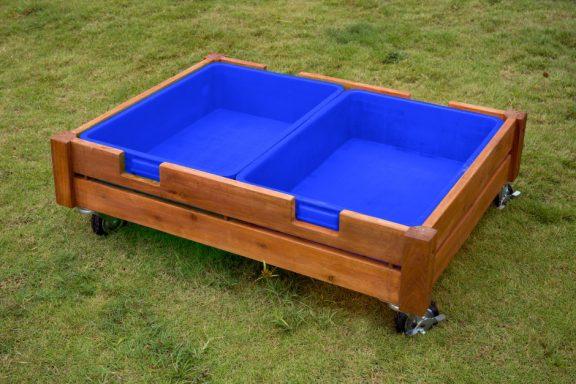 Ares Outdoor Sandbox on Castors
