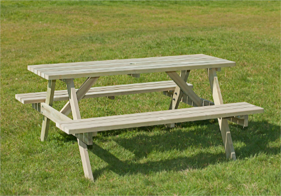 Irchinstein 6/8 Seater Picnic Table